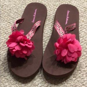 Hanna Andersson flip flops